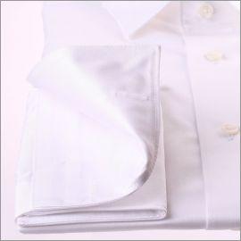 Chemise blanche à poignets mousquetaires tissu gabardine
