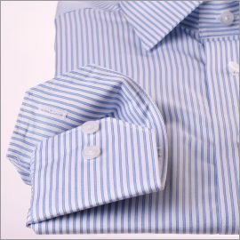 Chemise blanche à rayures bleues