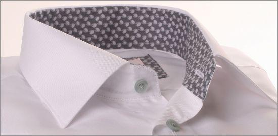 Chemise blanche à col et poignets à motifs gris