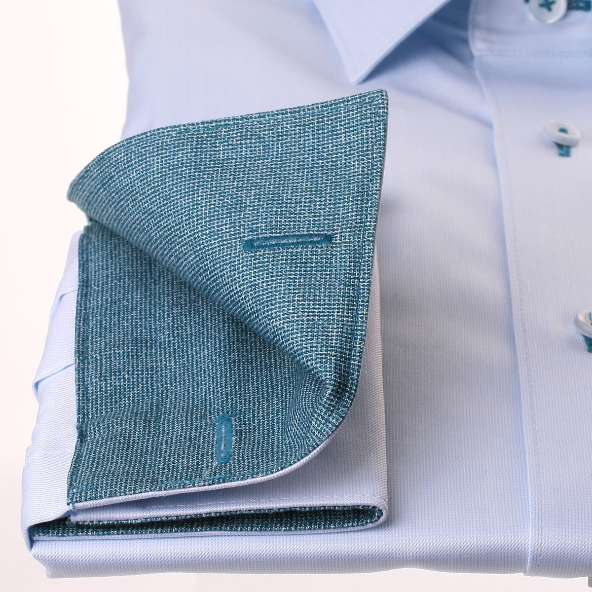 Chemise bleu clair poignets mousquetaires col et for Bleu canard clair