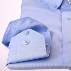 Chemise bleue à col boutonné