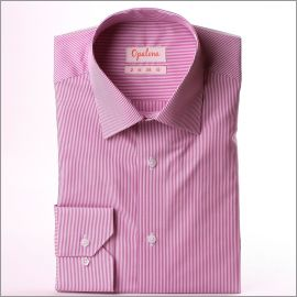 Chemise à fines rayures blanches et rose vif