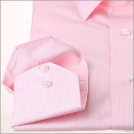 Chemise à fines rayures roses et blanches