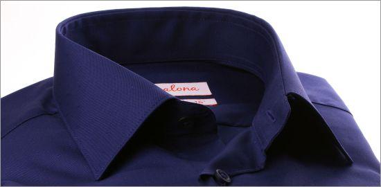 Chemise bleu marine à petits pois ton sur ton